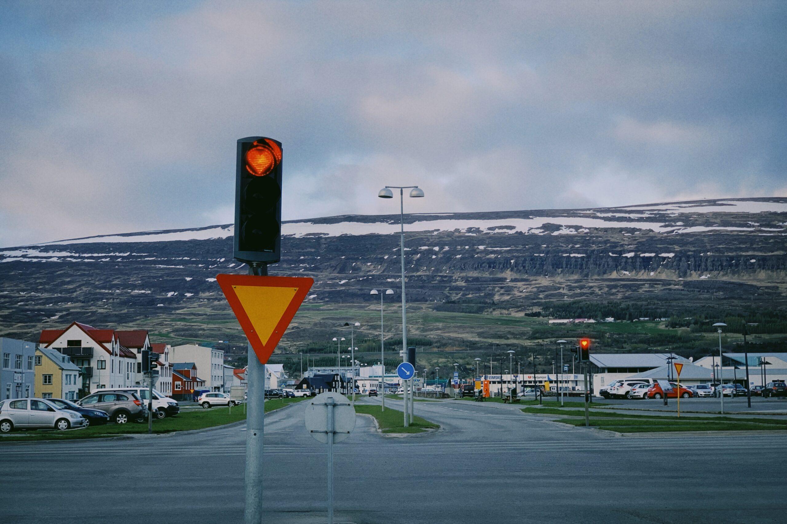 Lausar vikur á Akureyri í ágúst